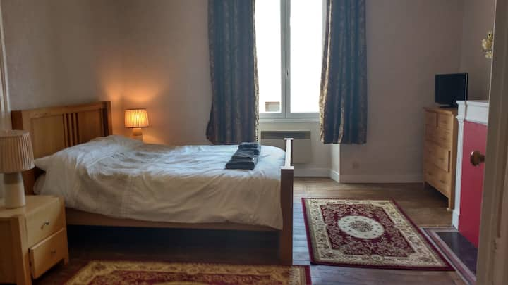 Large Double - Room 2