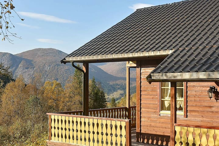8 person holiday home in skei i jølster
