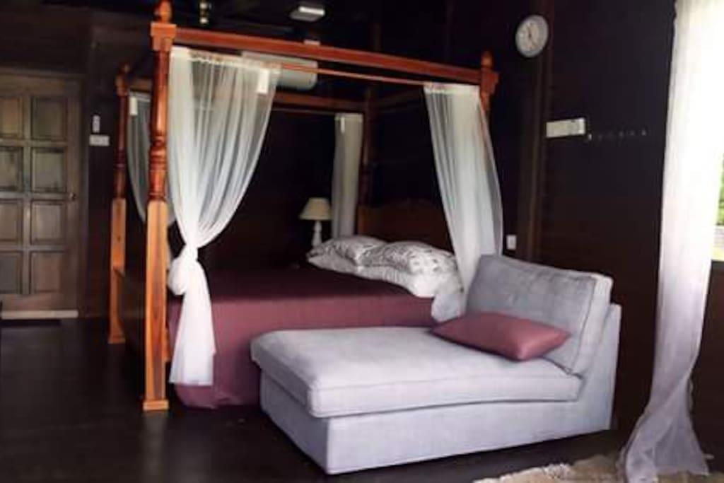 Honeysuite Room