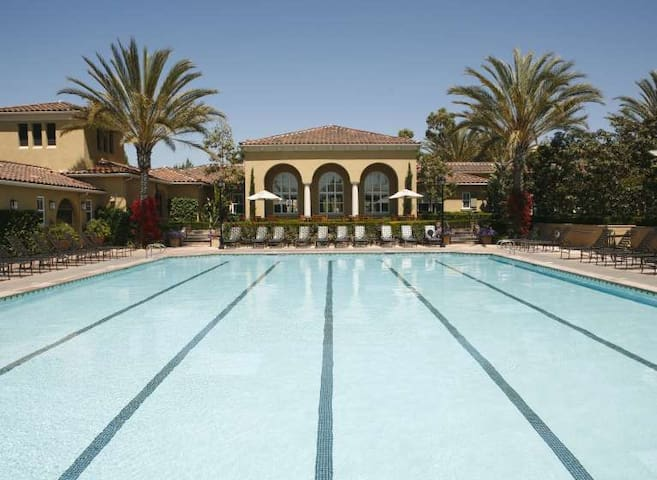 ResrotTypeCondos.Near Beach2BR 2bathPool.ClubHouse