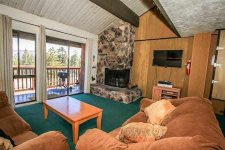 Walk To Skiing~Cool Condo, Private Spa, Central Heat/Fireplace, Washer/Dryer~ - Big Bear Lake