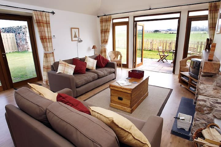 delightful modernised and cosy farm cottage