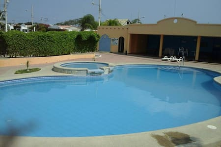 COMPLETE FURNISHED HOUSE IN SALINAS BEACH-ECUADOR - Haus