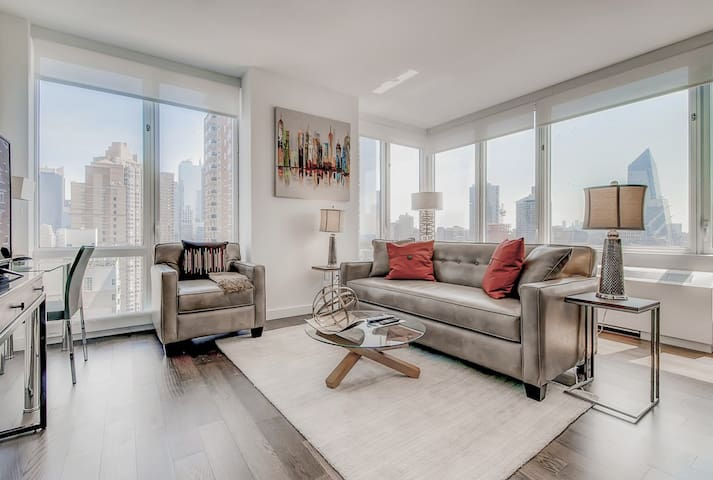 Bluebird 1BR | Work from home | Central Park