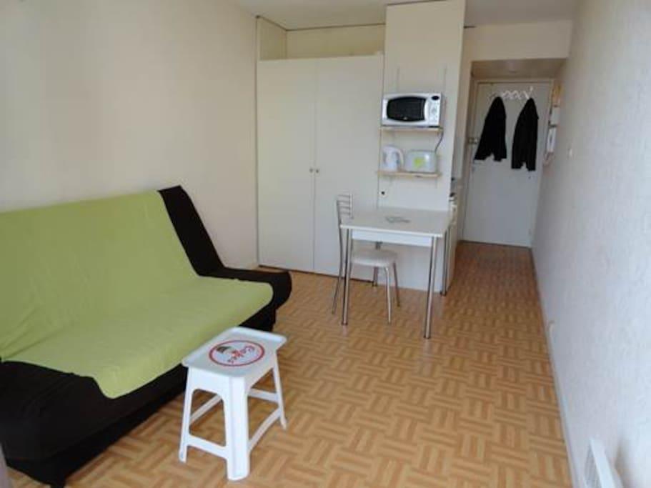 Studio lumineux proche centre ville de bordeaux for Location appartement proche bordeaux