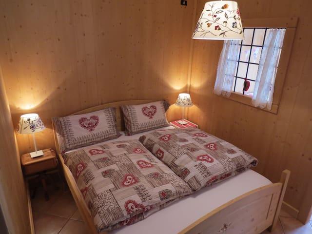 CAMERA TIROL con bagno X 4 persone - Bianzone - Bed & Breakfast