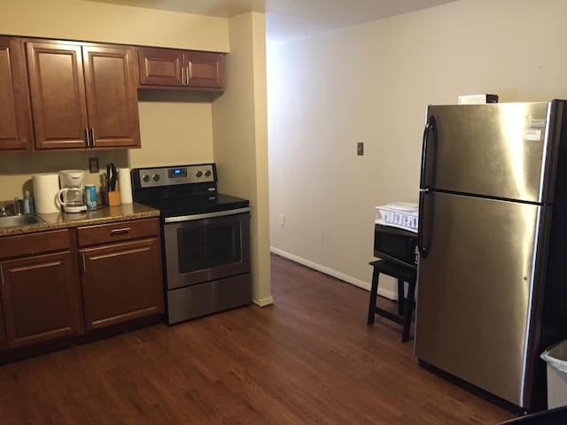 TURN KEY NEWLY RENOVATED APARTMENT!!