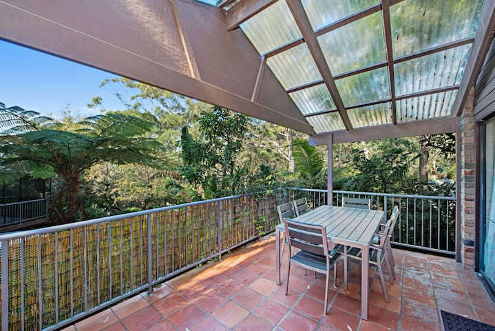 Seaview Lodge - Ideal for Couples, Pet Friendly