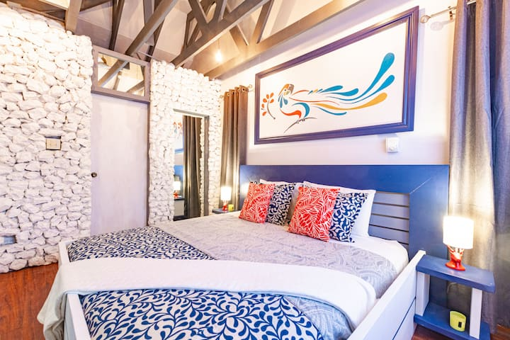 Parrot Cottage on Love Beach with Pool