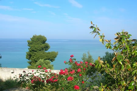 Lovely cottage flat by the sea - Chalkidiki - House