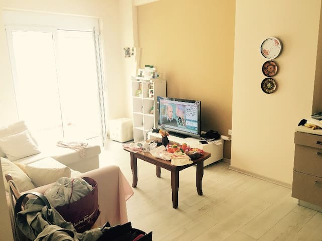 Charming New Apartment by Seaside - Vlorë - Apartament