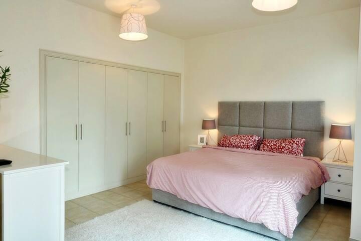 Spacious 3-bed Family Villa - ดูไบ - วิลล่า