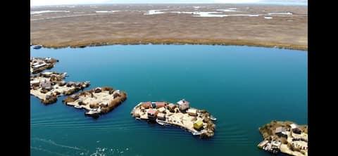 Uros Tata Willka Lodge Perú