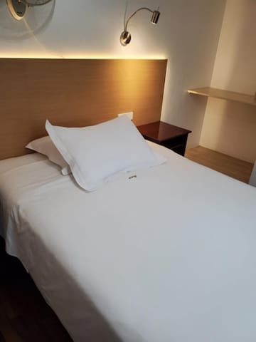 Hotel el Carmelo - Individual. Baño privado - Tarifa estandar