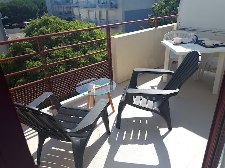 Appartement terrasse sud, piscine et proche plage