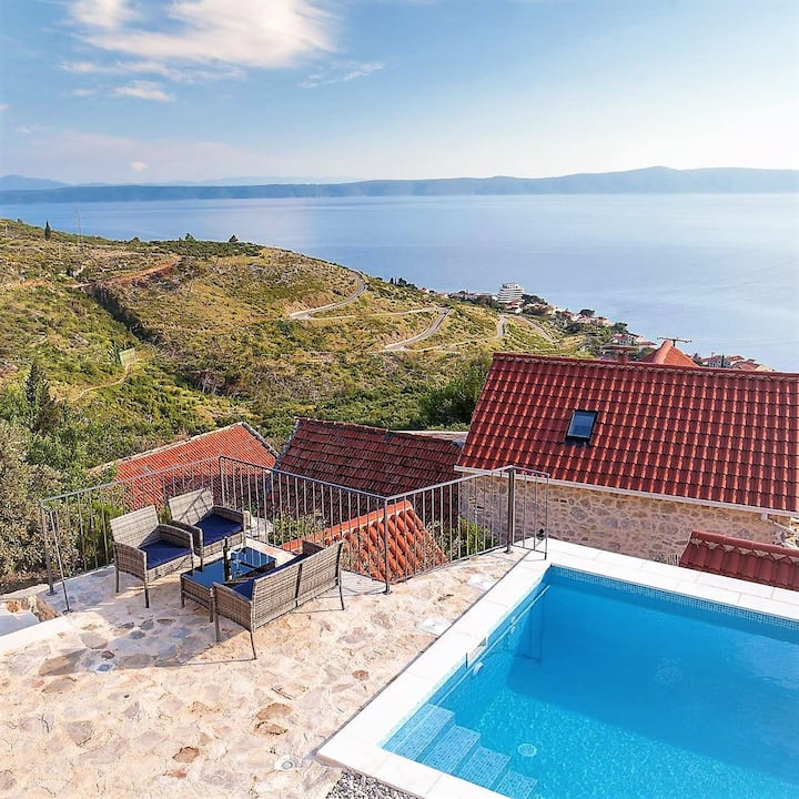 Villa with 3 bedrooms in Podgora, with wonderful sea view, private pool, enclosed garden