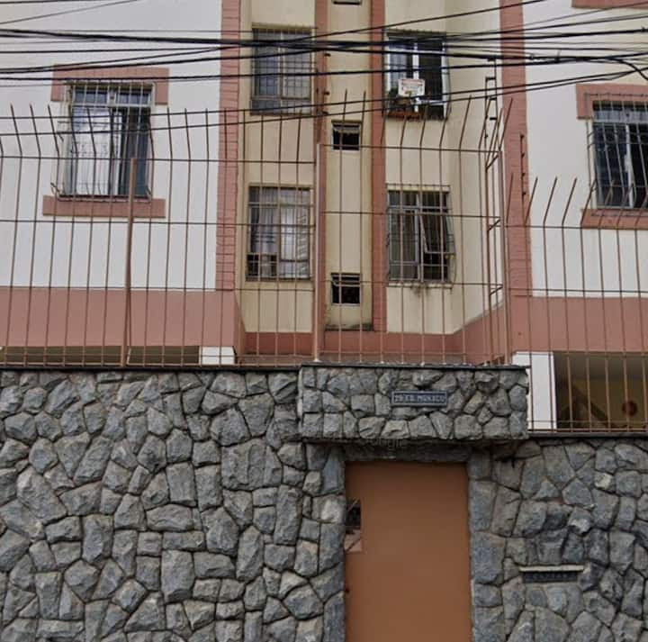 Seu aconchego em BH, área hospitalar/ 10min Centro