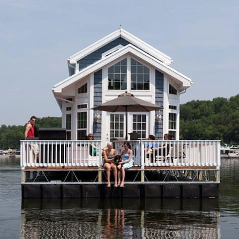 2 Bedroom Blue Harbor Cottage