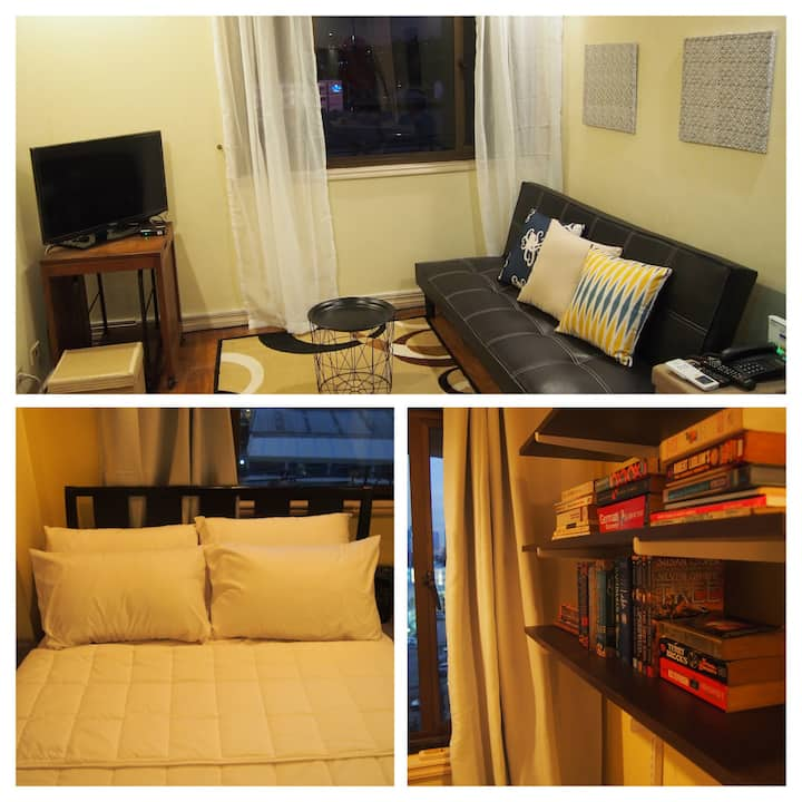 Cozy, book-filled 41sqm 1BR in Eastwood, QC
