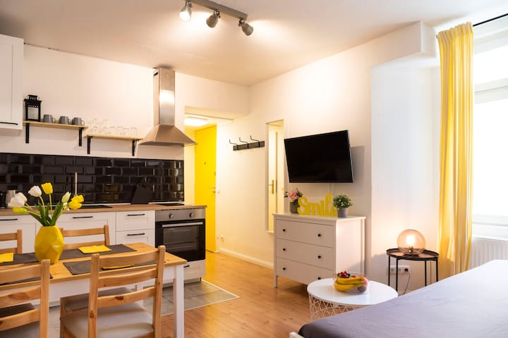 Cosy 1BR +SelfCheck-in +free Street Parking