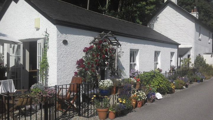 The Cottage on The Crinan Canal
