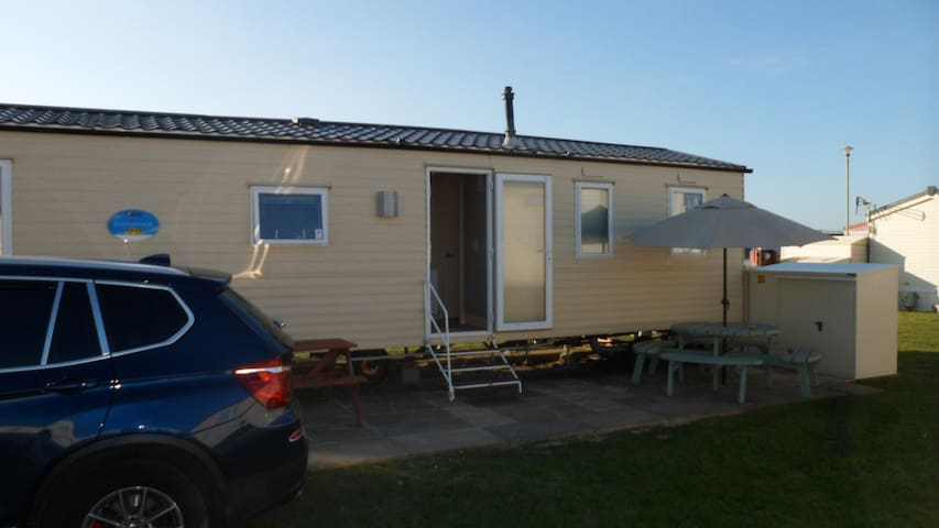 Home By The Sea 3 bed sleeps 8