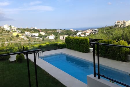 Modern maisonette with swimming pool near Athens - Dasamari