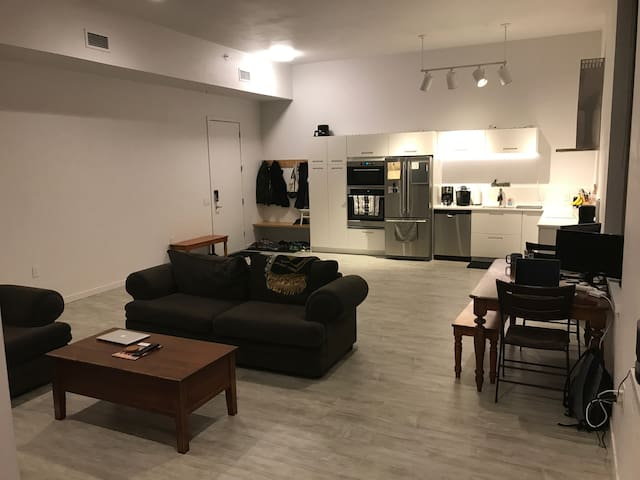 Luxury Living miles from EAA AirVenture - Oshkosh - Apartment