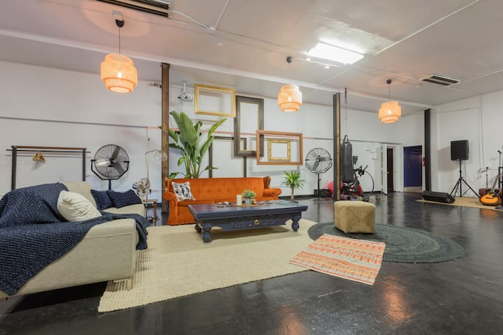 HUGE LOFT close to it all in echo park/silverlake