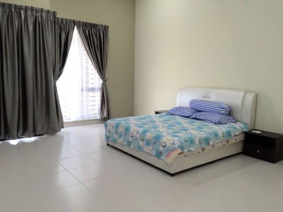 The master room with air cond and personal bathroom/ washroom. Essential needs are provided. Access to balcony for fresh air
