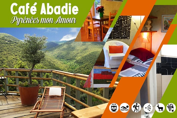 Café Abadie little nest in the hills, near the sea