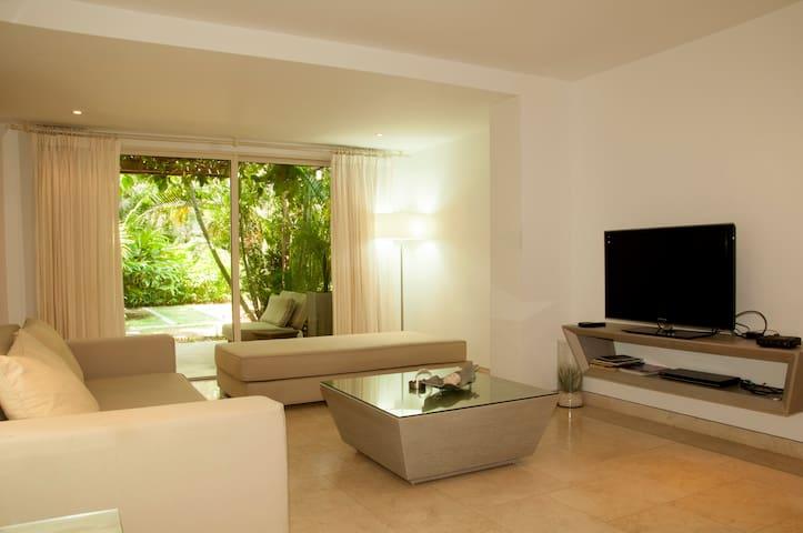 Modern 1 BR Old City Luxury Condo - Cartagena - Leilighet