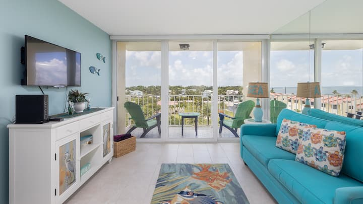 SUNSET VIEWS★SPACIOUS LIVING★BOAT SLIP AVAILABLE