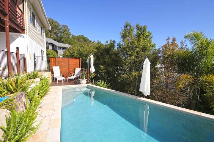 STUNNING HOME WITH SPECTACULAR VIEWS AND CLOSE TO THE BEACH