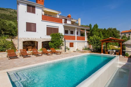 Holiday apartment with 2 bedrooms on 48m² in Labin