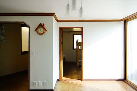 Uyuni Guesthouse - 4 bed room / 우유니 게스트하우스 - 4인실 - Dong-gu - Dům pro hosty