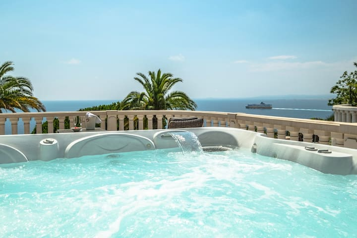VILLA BORON-Heated INDOOR pool&JACUZZI with VIEWS!
