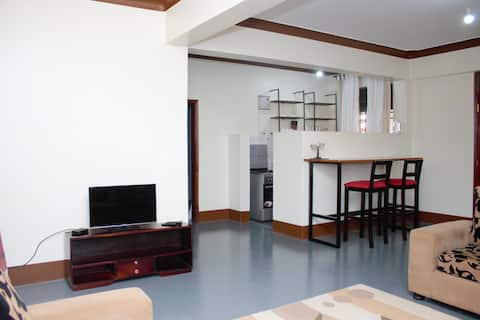 Private 1br Executive Suite in City, Near Airport