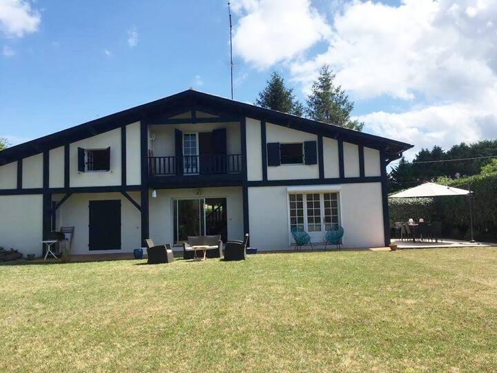 Belle Villa familiale sur le golf d'Arcachon