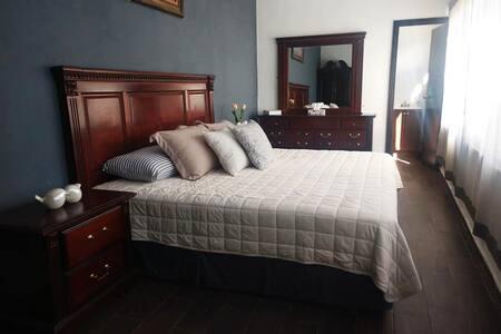 Habitación Cama King Size en Casa Otinapa