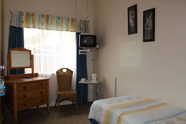 Cozy guest house - Ailsa Cottage - Room 1