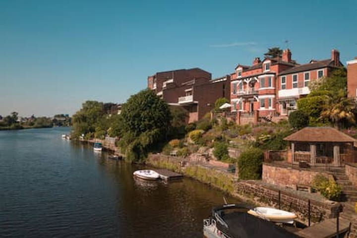 No. 6 - B&B...on the River in Chester
