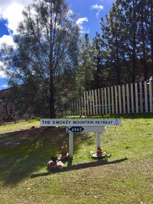 Welcome to Smokey Mountain Retreat!