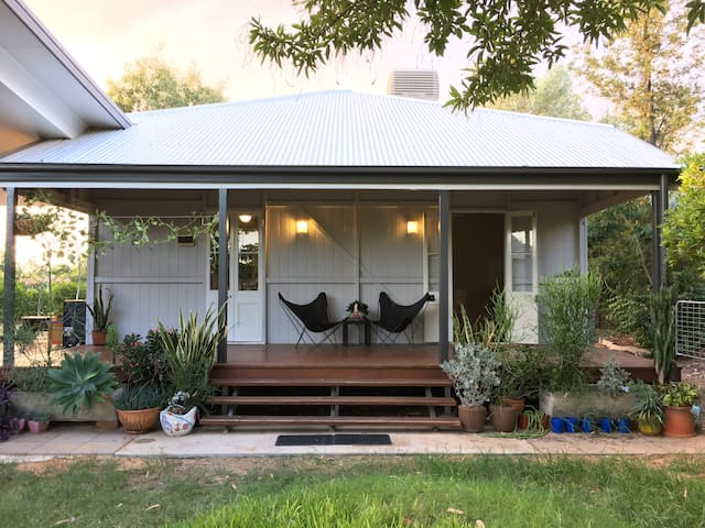 Kenilworth Cottage offers the comfort of home