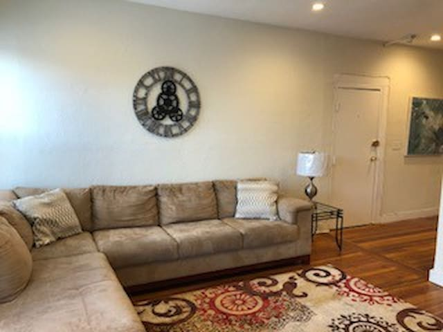 620 Columbia #1 - 90 Day Minimum - Fully Furnished