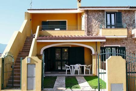 Appartamento 1° piano in villetta a schiera - Villasimius