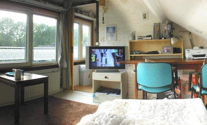 Bed & breakfast for one or two persons in Arnhem