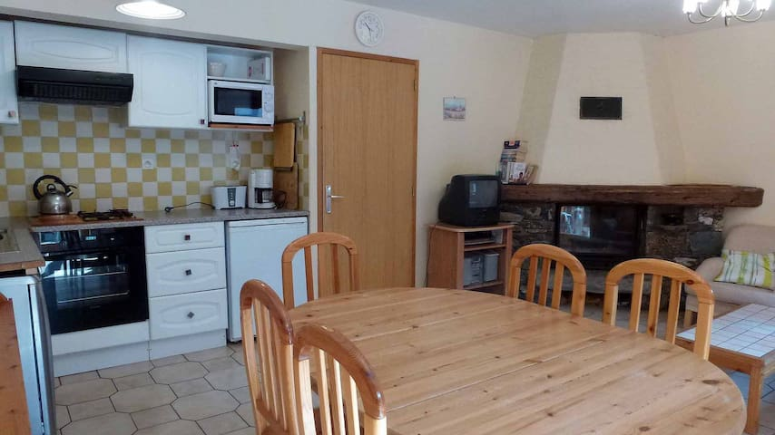 2 Bedroom apartment summer and winter!