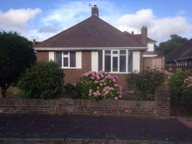 Refurbished 3 bedroom detached bungalow.