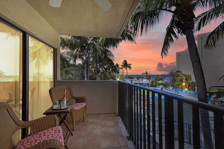 Sunset Getaway at Moon Bay - Key Largo - Sleeps 6